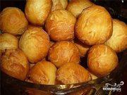 Бауырсаки,  пирожки,  лепешки, шелпек, чак-чак-выпечка , манты и бешбармак